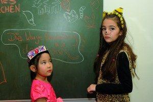 Kinder beim Märchen-Lesetag 2013